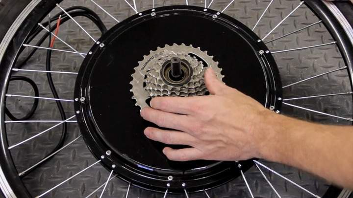 A 7-speed freewheel installed on an electric bicycle wheel.